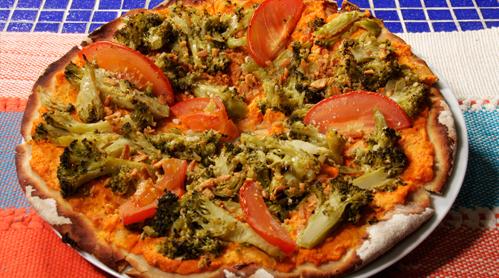 PIZZA DE BRÓCOLIS COM ALHO