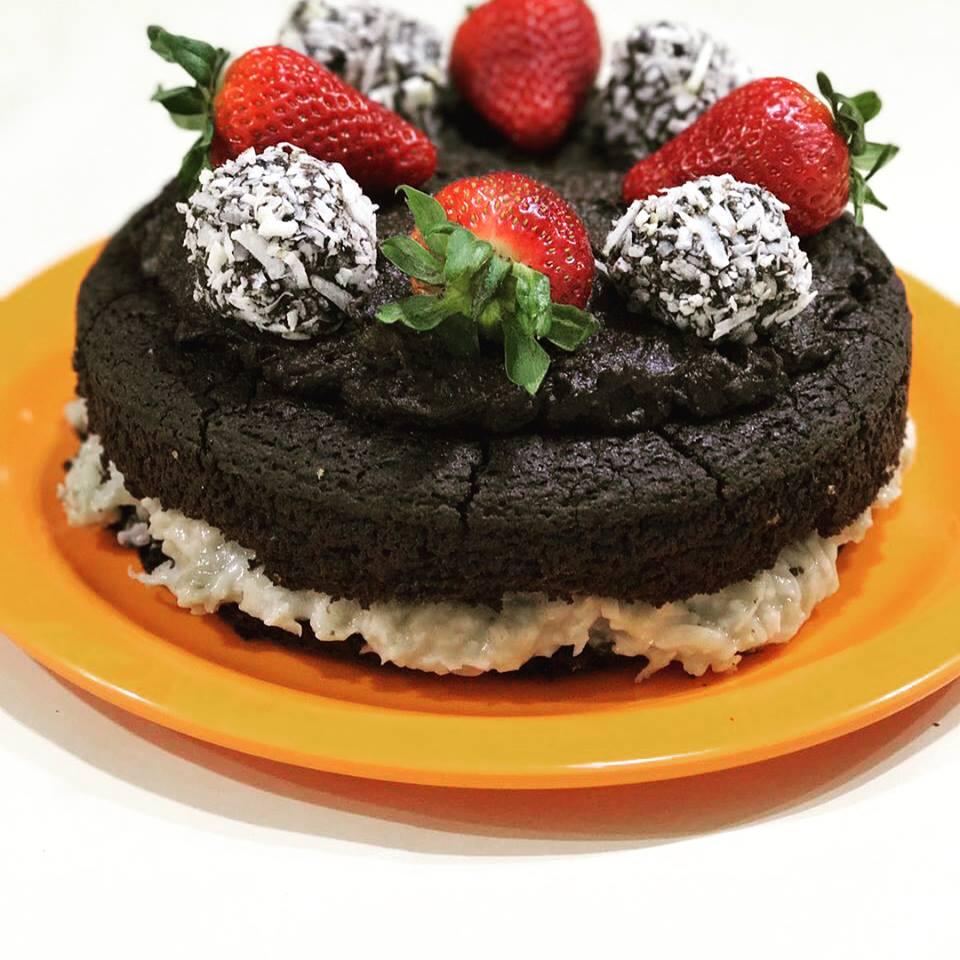 NAKED CAKE DE ANIVERSÁRIO